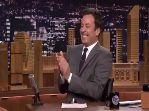 Jimmy Fallon Fake Laughing and Clapping (VIDEO) - Izismile