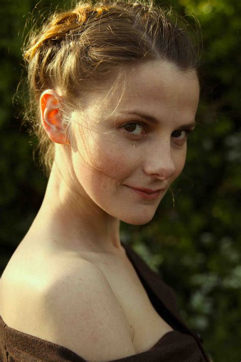 Louise Brealey - Wikiwand