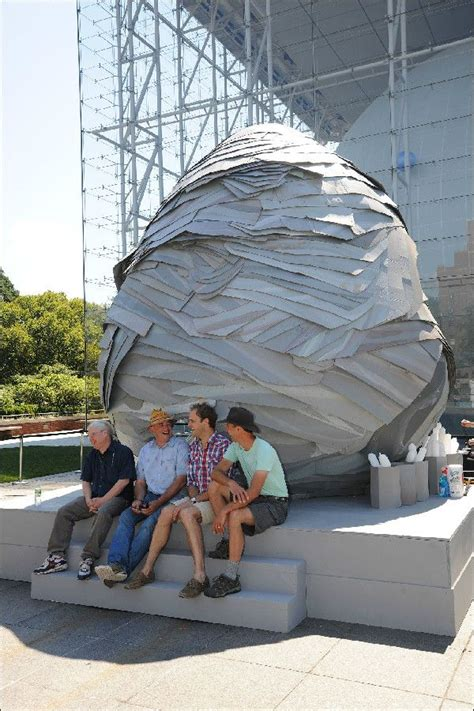 Human Wasps Build a Giant Nest in New York   Live Science