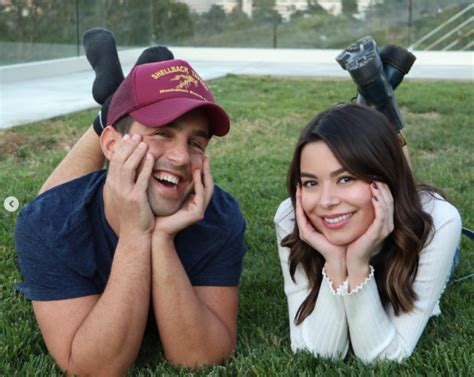 Josh Peck and Miranda Cosgrave just reunited after FOUR
