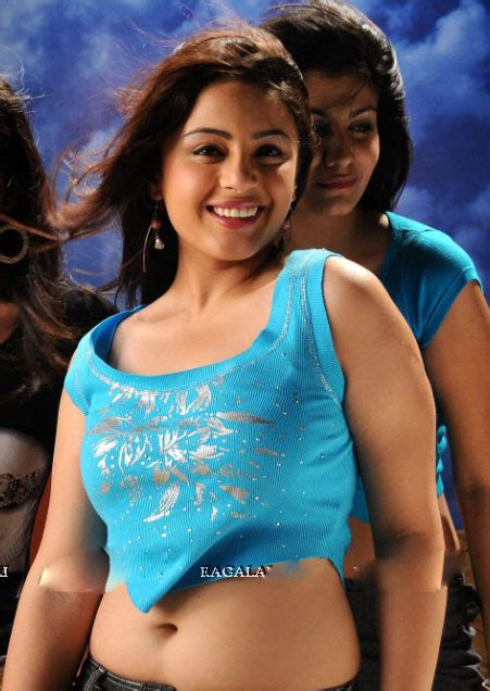 Hot South South Indian Aunties,Girls Cleavage Show ~ miss