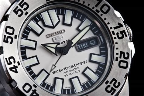 """Seiko SNZF45 """"Baby Monster"""" Review - WatchReport"""