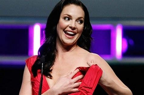 The 27 Most Embarrassing Celebrity Moments at Award Shows