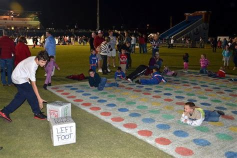 Outdoor Twister with huge dice | Party Games & Ideas